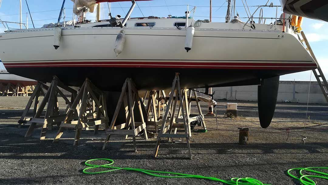 History of protection against fouling on boat hulls
